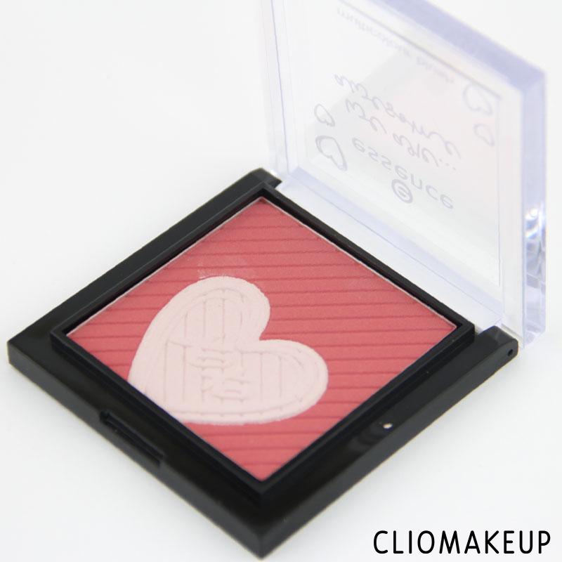 cliomakeup-recensione-we-are-awsome-multicolour-blush-essence-3