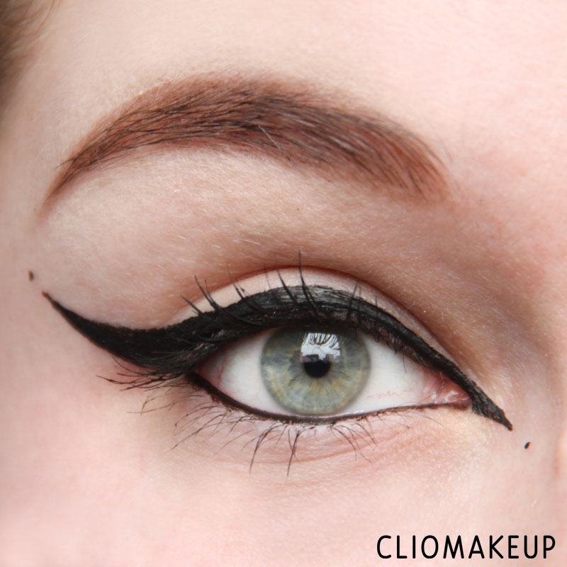 cliomakeup-recensione-we-are-perfect-waterproof-eyeliner-essence-11