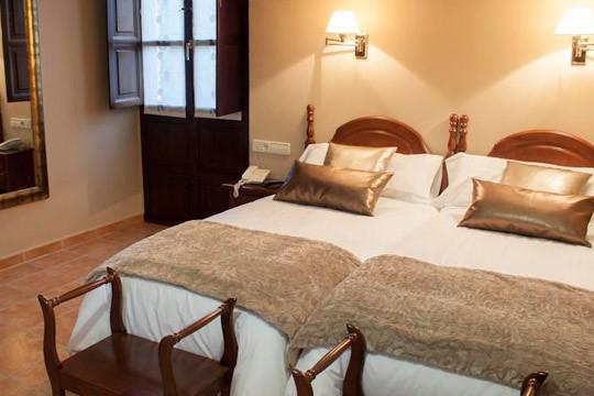 Escapada inolvidable a Asturias al hotel Entremontes o Águila Real ¡Incluye descenso del Sella en canoa!