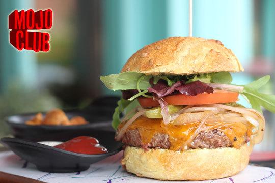 Hamburguesa a elegir con entrante y bebida en el Mojo Club (Las Arenas) ¡Prueba la carne de kobe o la hamburguesa más clásica!