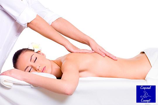 Regálate la sesión de relajación que te mereces con un masaje de espalda y piernas con madera de Haya en Corporal Concept