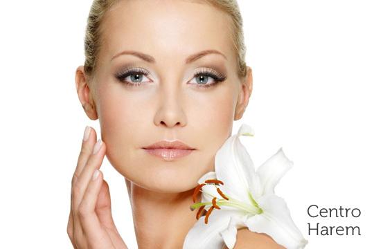 Devuelve a tu rostro la vitalidad perdida con un completo tratamiento lifting con limpieza, exfoliación, hidratación, mascarilla y mucho más ¡Elige entre 1 o 3 sesiones!