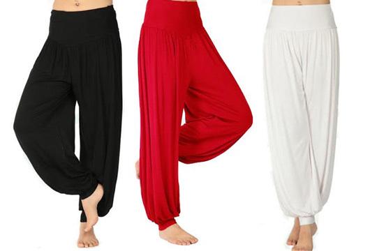 Realiza tus ejercicios de la forma más cómoda gracias a los Yoga Pants ¡Podrás llevarlos en dos posiciones: largos o piratas!