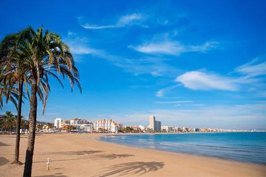 ¡Disfruta de Peñíscola y sus playas esta Semana Santa! Te alojarás en un precioso estudio o apartamento para 4 personas