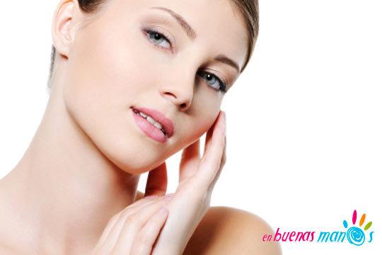 Luce un rostro de anuncio con la higiene facial con extracción, alta frecuencia y masaje facial en En buenas manos ¡Estupenda!