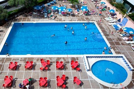 Este verano disfruta del ambiente de Salou con 7 noches en hotel de 3 estrellas para 3 personas ¡En régimen de Todo Incluido!
