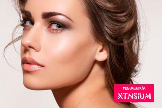 Mejora tu imagen con una sesión de belleza completa: Higiene facial + Diseño de cejas y labio