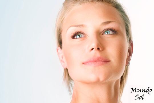 Luce un rostro bello y cuidado con un tratamiento completo en el centro Mundo Sol ¡Un facial antimanchas ayurveda y diseño de cejas!