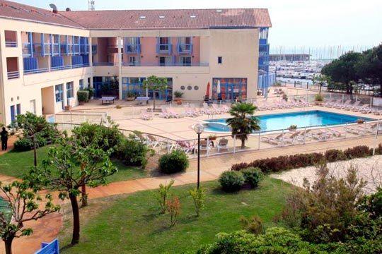 Disfruta de unas vacaciones en las Landas con 4 noches en dúplex en Odalys Residence du Port ¡para 4 personas!