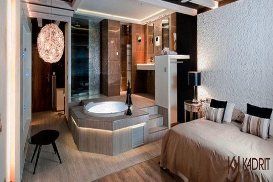 Escapada romántica al hotel Kadrit **** de Zaragoza en suite con opción a desayuno continental y cena en habitación ¡Con parking con acceso directo a tu habitación!