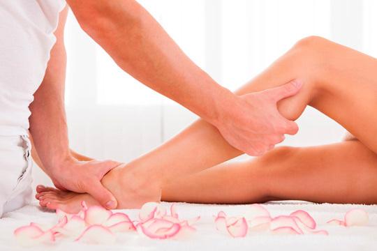 De la mano del especialista Jon Valle recibirás una sesión relajante de 50 minutos con reflexología podal y drenaje linfático manual para mejorar la circulación en piernas