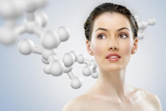 Mejora el tono, la textura y la pigmentación de tu rostro con 1 o 2 sesiones de peeling químico facial con ácido glicólico y ácido hialurónico en Exotic Touch