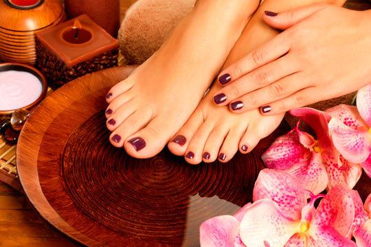 La elegancia está en los pequeños detalles, cuida tus uñas y luce perfecta a diario sin preocuparte de arreglártelas