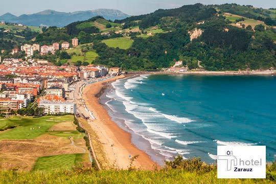 Descubre la preciosa villa costera de Zarautz con 1 o 2 noches con desayuno en el Hotel Zarauz ¡con opción a cena!
