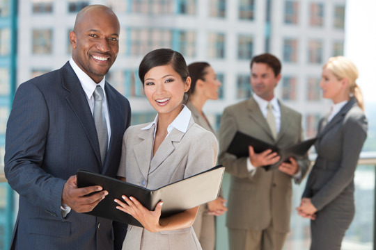 Desarrolla tus capacidades al máximo con una triple titulación en ENEB ¡Incluye Executive MBA + diploma en coaching + curso en inglés de negocios!