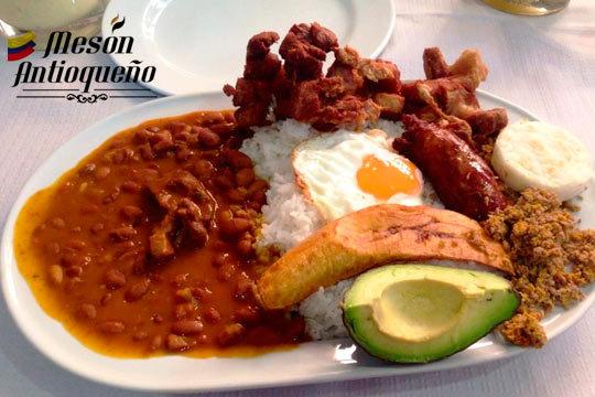 Menú colombiano con platos típicos + postre + bebida (Deusto)