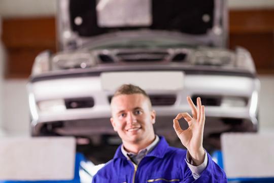Cambio de aceite + filtro de aceite + revisión de seguridad + Comprobación y relleno de niveles en Master Car