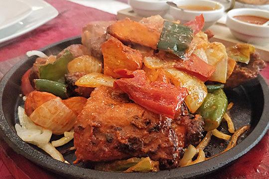 Menú de 5 o 6 platos en el auténtico indio Tandoori Flame