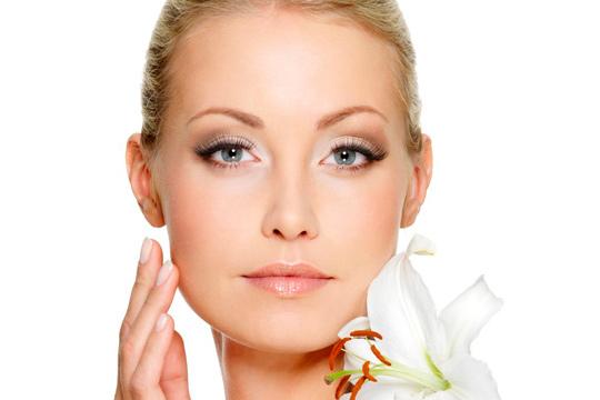 Reduce las arrugas y rejuvenece tu piel gracias a la radiofrecuencia facial ¡Resultados visibles en poco tiempo!