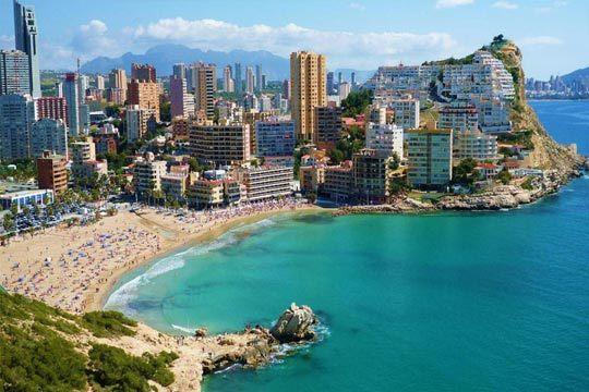 Disfruta este verano de la playa y el buen tiempo en Benidorm ¡7 noches en pensión completa en el hotel Blue Sea Calas o Antea Sol y Sombra!