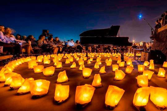 Viaja a un mundo mágico y cautivador en el concierto de gira '1 piano & 200 velas' de David Gómez ¡Una experiencia inolvidable para los cinco sentidos!