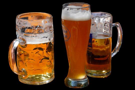 Degustación de cervezas artesanas con picoteo en la Taberna Zurrupa y visita al Museo de la Cerveza ¡6 tipos de variedades diferentes!