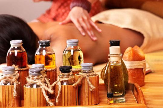 Libérate del estrés y la ansiedad con un masaje de 45 minutos con aromaterapia y aceites esenciales ¡Sabiduría milenaria para tu bienestar!