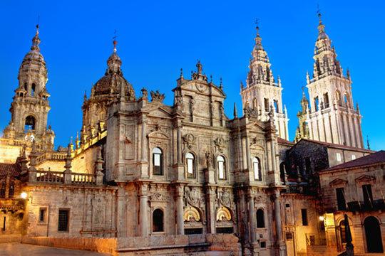 Esta Semana Santa descubre los rincones secretos de Santiago de Compostela con una estancia de 4 noches en A Tafona de Peregrino ¡Te encantará!
