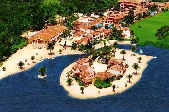 Disfruta en familia de los paisajes portugueses con 7 noches de estancia en un hotel  perfectamente ubicado junto a un precioso lago ¡En régimen de media pensión o alojamiento y desayuno!