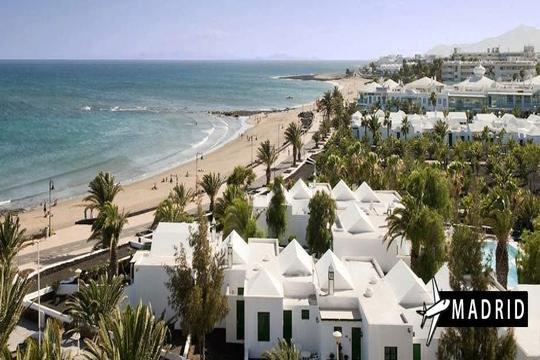 Mayo y junio a Lanzarote: Vuelo desde Madrid + 7 noches en apartamento