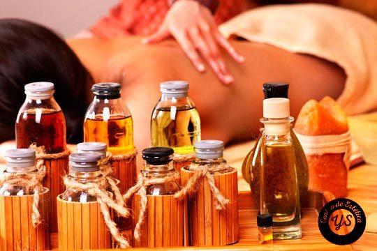 Cuida tu cuerpo y mente con un masaje relajante y descontracturante con aceites esenciales en el centro Estética  Yunia Sauquet