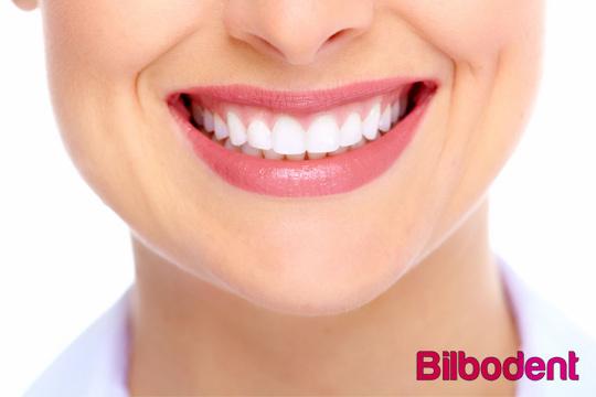Revisión + Limpieza con ultrasonidos con opción a Blanqueamiento LED ¡Luce una bonita sonrisa!