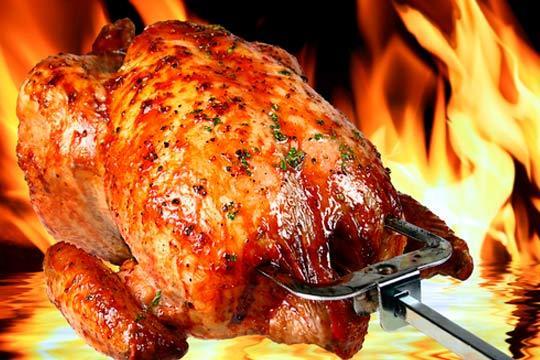 Menú para 2 personas con entrantes, pollo, postre y bebida en la cervecera Saratxaga de Plentzia