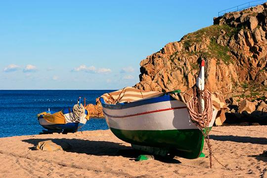Disfruta en familia de la Costa Brava con 3 o 4 noches en hotel ¡Con niños gratis y en media pensión o completa!