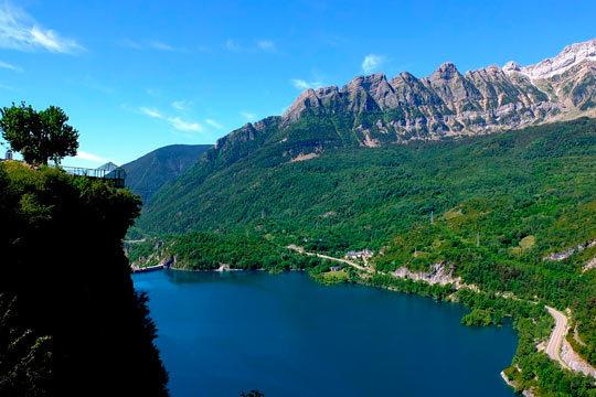 En el puente de octubre escápate al hotel Las Nieves en Jaca ¡3 noches con desayunos!