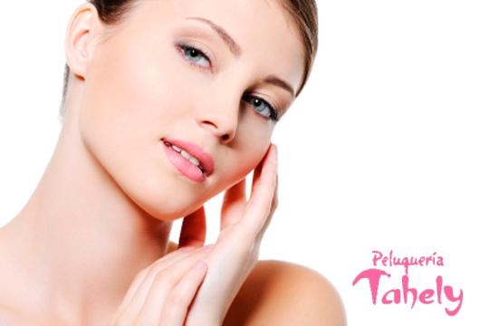 Cuida tu cutis con una limpieza facial profunda con mascarilla antioxidante y ácido hialurónico ¡y opción a manicura permanente!
