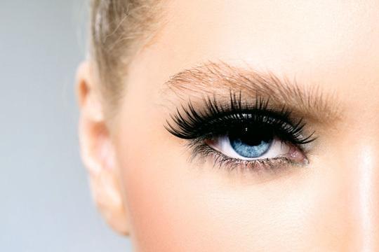 1 o 3 sesiones de tratamiento reparador de la mirada: drenaje, velo de bótox, diseño de cejas y extensión de pestañas