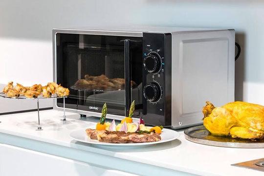 Microondas plateado con grill