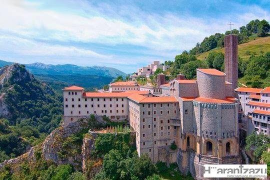 1 o 2 noches con desayunos y cena en el Hotel Santuario Arantzazu en Oñati ¡Belleza y naturaleza en Gipuzkoa!