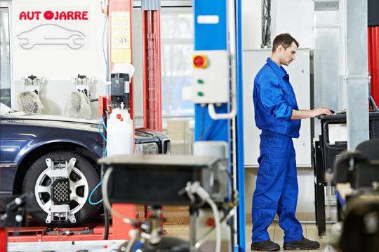 Cambio de 2 amortiguadores + Revisión de 45 puntos en Talleres Autojarre ¡La seguridad de tu coche, en las mejores manos!