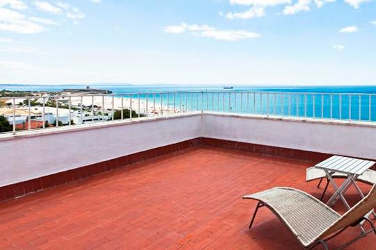 Esta Semana Santa descubre los secretos de la costa de Lisboa con 4 noches con desayuno en el hotel Praia Mar