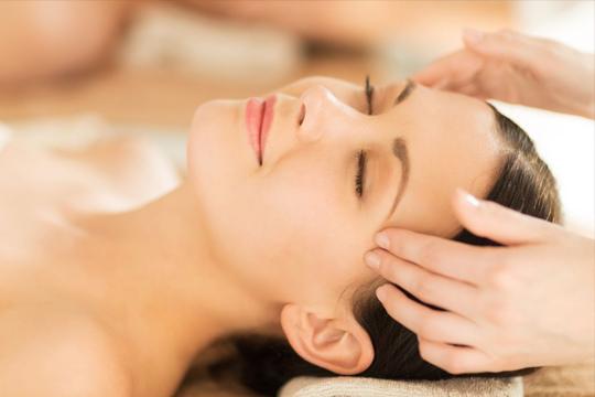 Déjate llevar al relax más profundo con un masaje craneofacial de 30 minutos en Bizi Natura ¡Bienestar para tu cuerpo y mente!