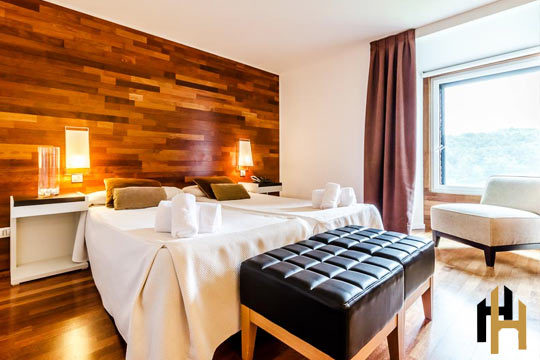 Escápate a Jaca y disfruta de 1 o 2 noches en habitación superior con desayuno + Spa + copa de vino y tapa en la Hospedería Monasterio San Juan de la Peña****