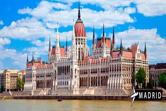 Budapest ¡Vuelo desde Madrid + 3 noches + desayunos!