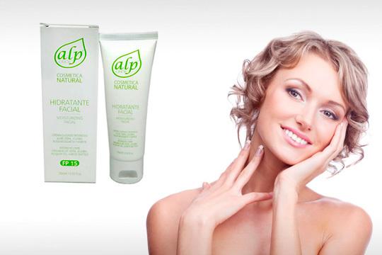 Cuida tu cutis con la crema facial de aloe vera, jojoba, rosa mosqueta y karité ¡Hidratación y cuidado para tu piel!