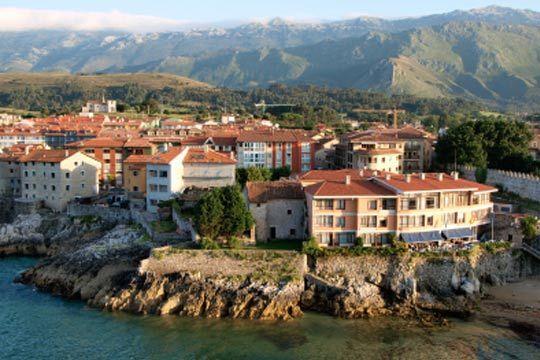 Disfruta de una escapada incomparable a Asturias, un paraiso natural con monte, playa y la mejor gastronomía ¡Aprovecha al máximo tus días de puente!