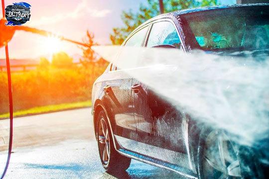 En Auto-Lavado Detroit dejarán tu coche como nuevo con una limpieza interior ¡Y añade un lavado exterior a mano, encerado y tapicería!