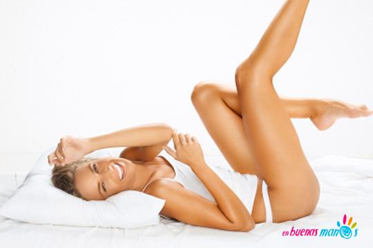 Luce una piel suave y sin pelo con la depilación con cera caliente de baja fusión en el centro especializado En Buenas Manos