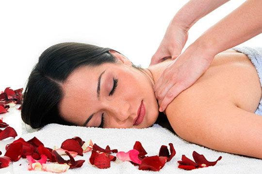 Relájate y elimina la tensión con un masaje Sakura en Martina Terapias ¡60 minutos de pura felicidad!