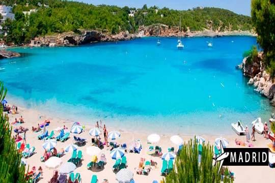 Ibiza en verano ¡Vuelo + 7 noches en estudio!
